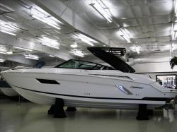 2015 Cruisers Yachts 328 CX Peabody MA