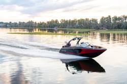 2020 - Bryant Boats - Surf C3