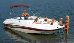 Caravelle Boats 218 Deck Boat Deck Boat