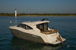 2015 - Carver Yachts - C37