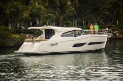 2017 - Carver Yachts - C43