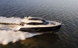 2017 - Carver Yachts - C52 Coupe
