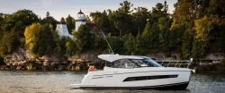 2020 - Carver Yachts - C34 Coupe