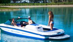 2015 - Centurion Boats - Carbon Pro