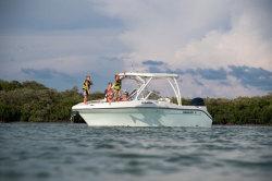 2020 - Century Boats - 24 Resorter