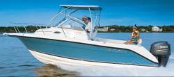 Century Boats 2200 WA Walkaround Boat