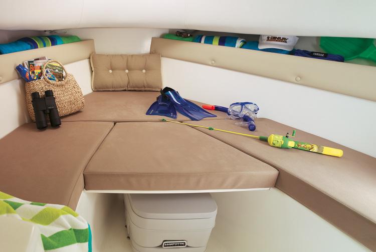 l_2200wa_cabin