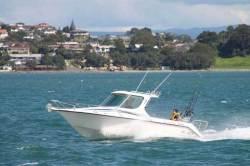 2013 - Challenger Boats - Challenger 720 S Petrol Hardtop