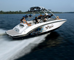 2010 - Chaparral Boats - 244 Xtreme