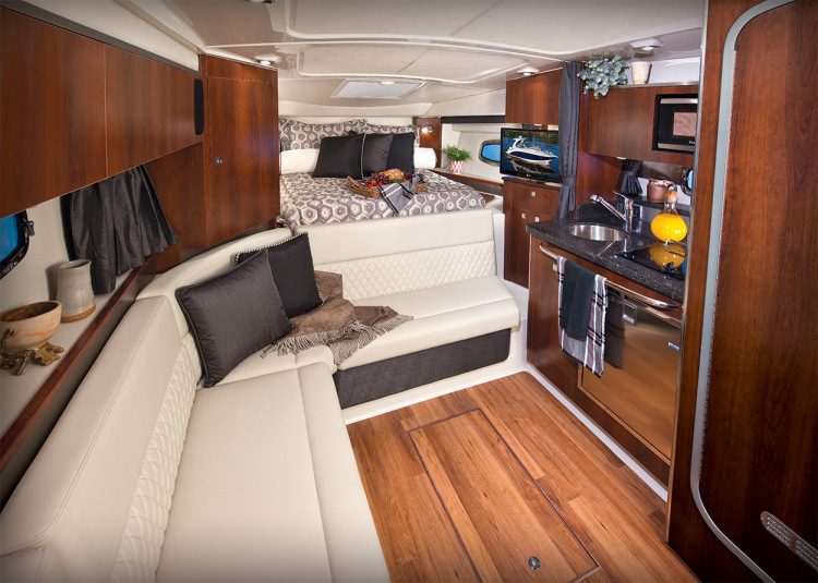 l_sig_310_cabin_seating_14