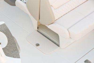 l_sig-270-seatstorage-16