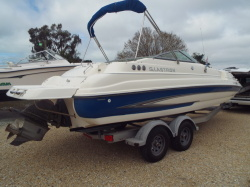 2007 - Glastron Boats - DX235 Volvo
