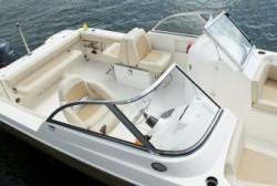 2013 - Cobia Boats - 220 Dual Console