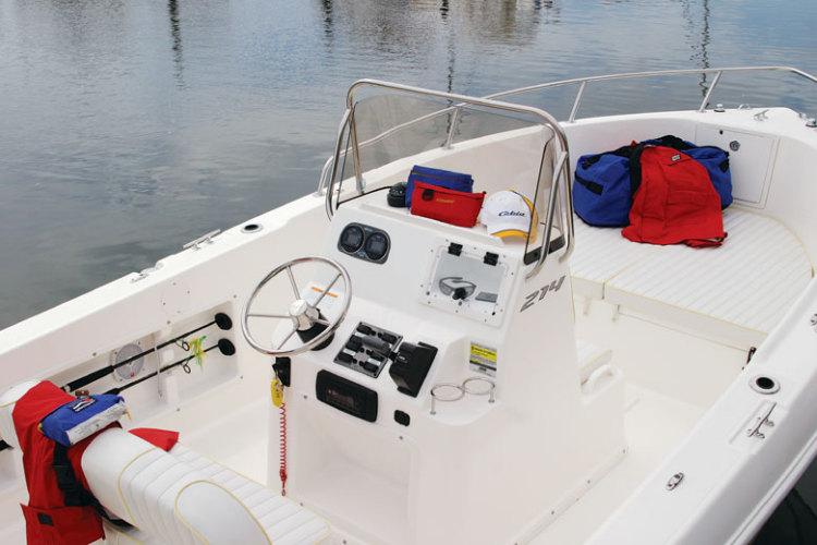 l_Cobia_Boats_-_214_CC_2007_AI-251962_II-11505816