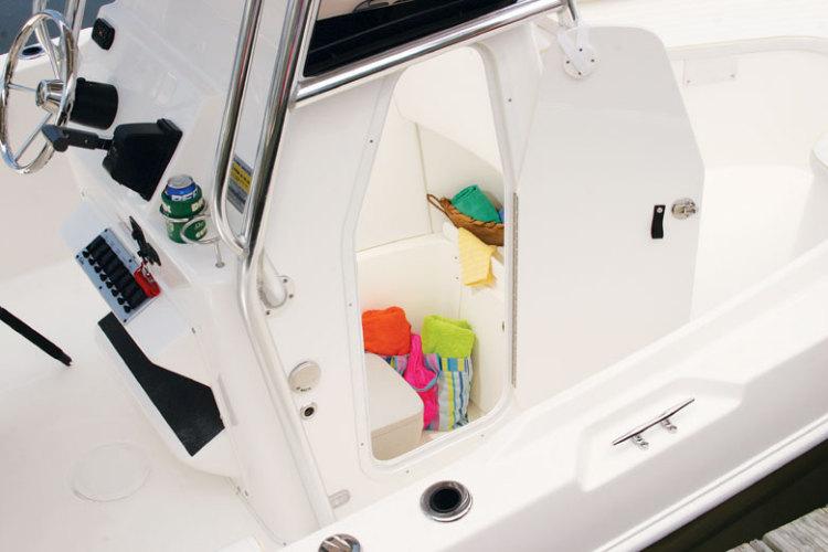l_Cobia_Boats_-_235_CC_2007_AI-251958_II-11505766