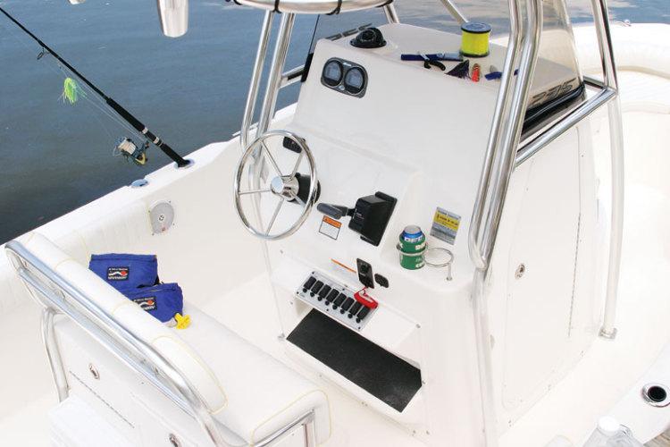 l_Cobia_Boats_-_235_CC_2007_AI-251958_II-11505768