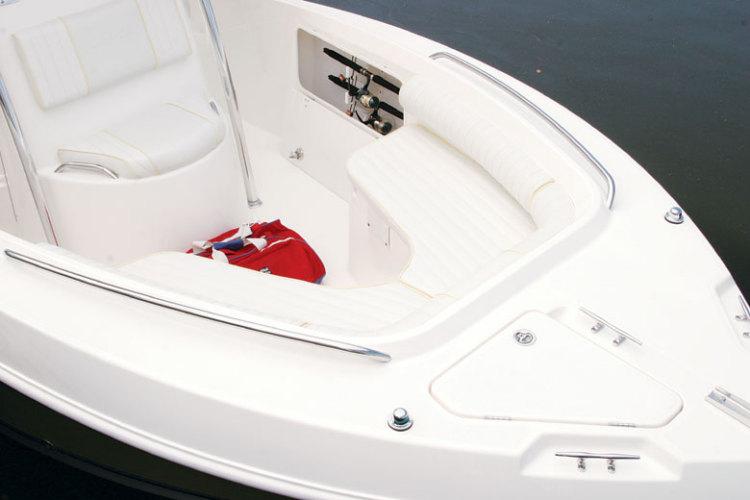 l_Cobia_Boats_-_235_CC_2007_AI-251958_II-11505770