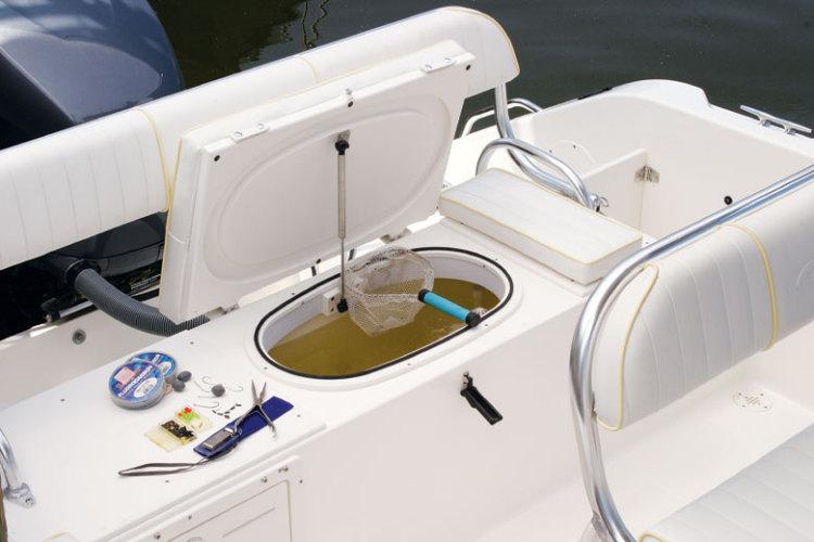 l_Cobia_Boats_-_235_CC_2007_AI-251958_II-11505772