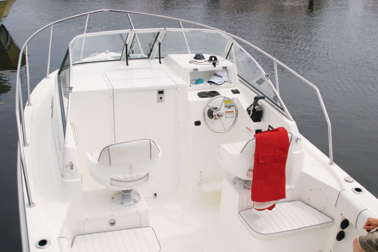 l_Cobia_Boats_210WA_2007_AI-251960_II-11505781