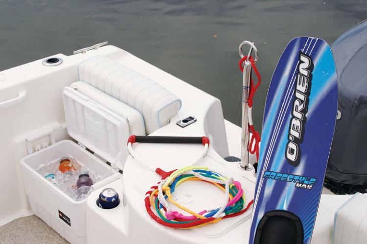 l_Cobia_Boats_215_Dual_Console_2007_AI-251963_II-11505894