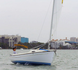 2018 - Com-Pac Yachts - Sunday Cat