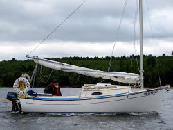 2020 - Com-Pac Yachts - Sun Cat