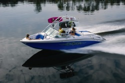 Correct Craft Nautique 211 Ski and Wakeboard Boat