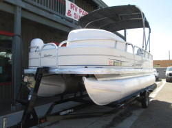 2008 - Sun Tracker by Tracker Marine - Party Barge 18 Signature