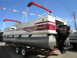 2000 - Fisher Boats - 240 DLX FREEDOM