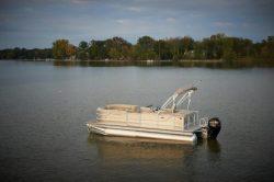 2014 - Crest Pontoon Boats - Crest II 250 SLR
