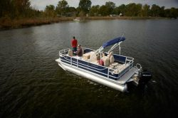 2014 - Crest Pontoon Boats - Crest II Fish 190 C4