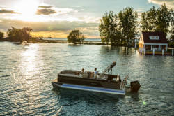 2020 - Crest Pontoon Boats - Crest III 240 SLC