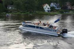2012 - Crest Pontoon Boats - 210 Caribbean