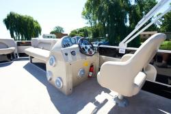 2012 - Crest Pontoon Boats - 210 Touring L