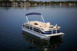 2013 - Crest Pontoon Boats - Classic 210