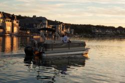 2014 - Crest Pontoon Boats - Classic 230