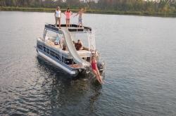 2014 - Crest Pontoon Boats - Classic 250 SLR2
