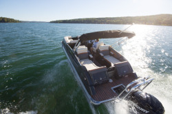 2014 - Crest Pontoon Boats - Savannah 230 SS