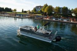 2015 - Crest Pontoon Boats - Classic 230 SLP