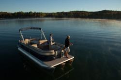2015 - Crest Pontoon Boats - Crest II Fish 210 C4