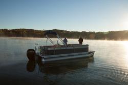 2015 - Crest Pontoon Boats - Crest III 210 SLP
