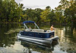 2017 - Crest Pontoon Boats - Crest I Fish 220 C4
