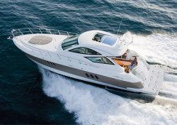 Cruisers Yachts - 520 Express