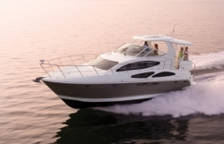2013 - Cruisers Yachts - 415 Express Motoryacht