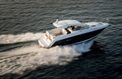 2015 - Cruisers Yachts - 390 Express Coupe