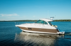 2015 - Cruisers Yachts - 430 Sports Coupe