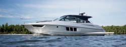 2018 - Cruisers Yachts - 45 Cantius