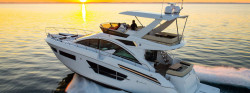 2018 - Cruisers Yachts - 60 Fly