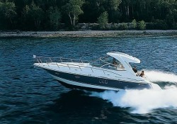 Cruisers Yachts 420 Express Diesel Motor Yacht Boat