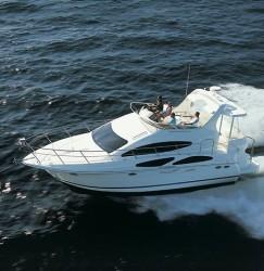 Cruisers Yachts 395 MotorYacht Gas Motor Yacht Boat